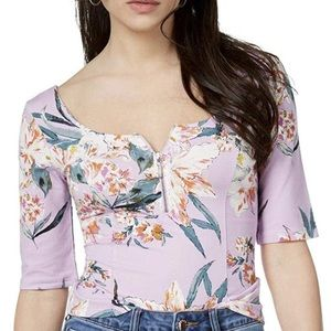GUESS Floral Purple Top Size Medium